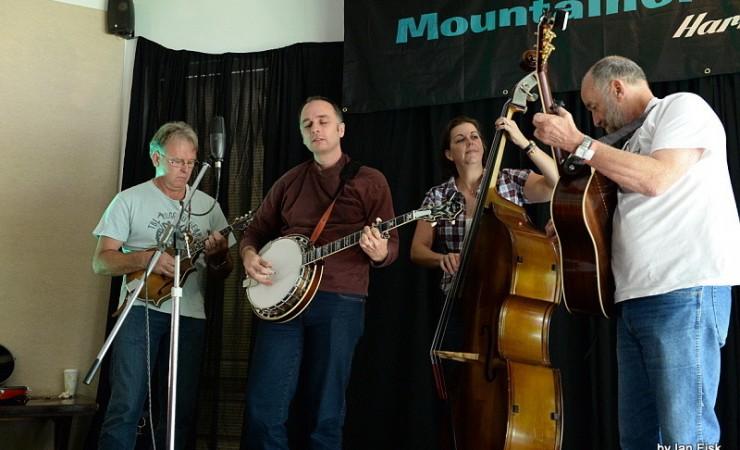The Pipi Pickers Play Whangarei Folk Club