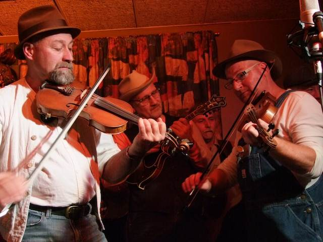 Strzelecki String Busters and Mike Compton