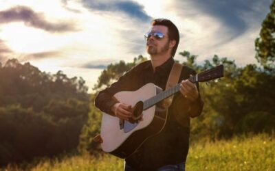 Luke McKnight Signs 2 CD Deal with Turnberry