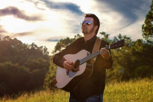 Luke McKnight to Turnberry Records